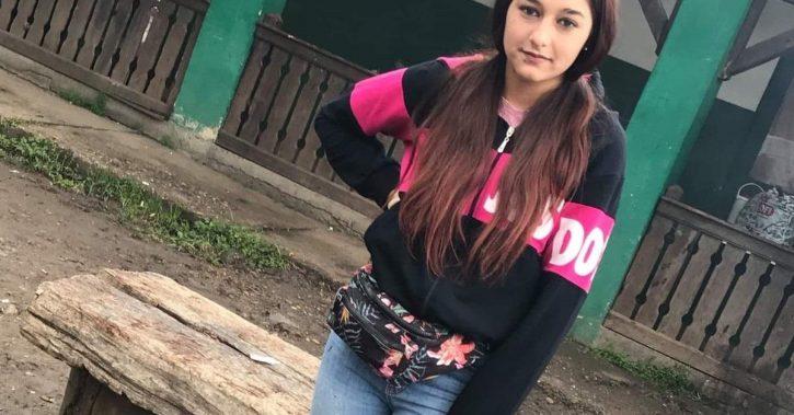 Fată de 14 ani dispărută în papuci, de acasă. Familia şi Poliţia cer ajutorul populaţiei
