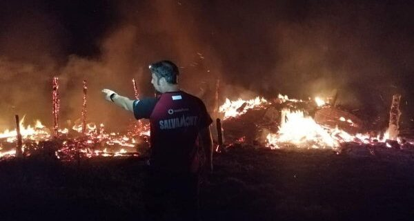incendiu-puternic-in-judetul-valcea-casa-unui-om-s-a-facut-scrum-721996