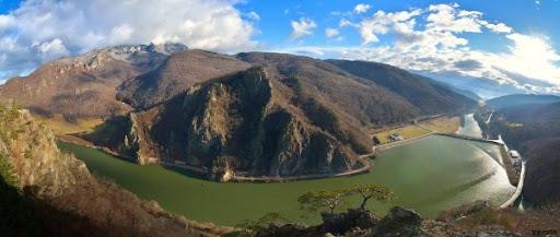 Pe ce loc, în preferințele turiștilor, se află Valcea?